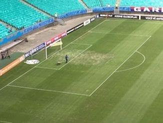 Administração da Arena Fonte Nova substitui parte do gramado